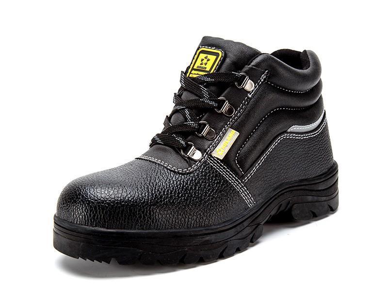 劳保鞋厂家介绍怎样选择劳保鞋